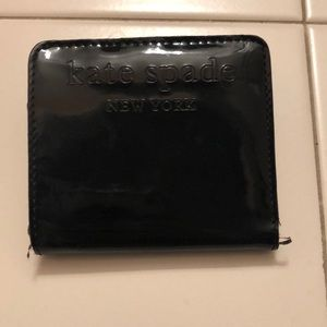Kate spade patent leather small bifold wallet BLK